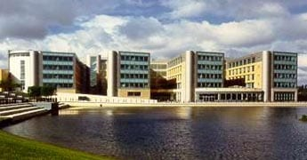 Axa takes 70 000sq ft pre let in bristol office design for Office design bristol