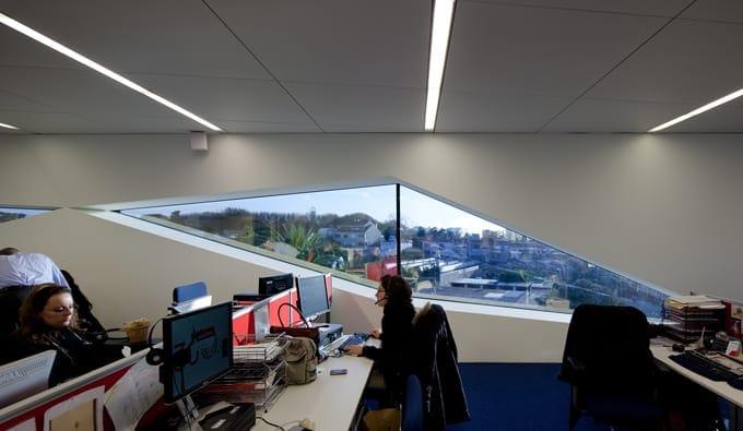 Modern office design the world 39 s best office interiors for Best office design in the world