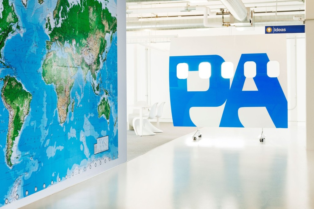 airbnb-cool-office-design-office-interiors-pan-am-side-airplane-world-man