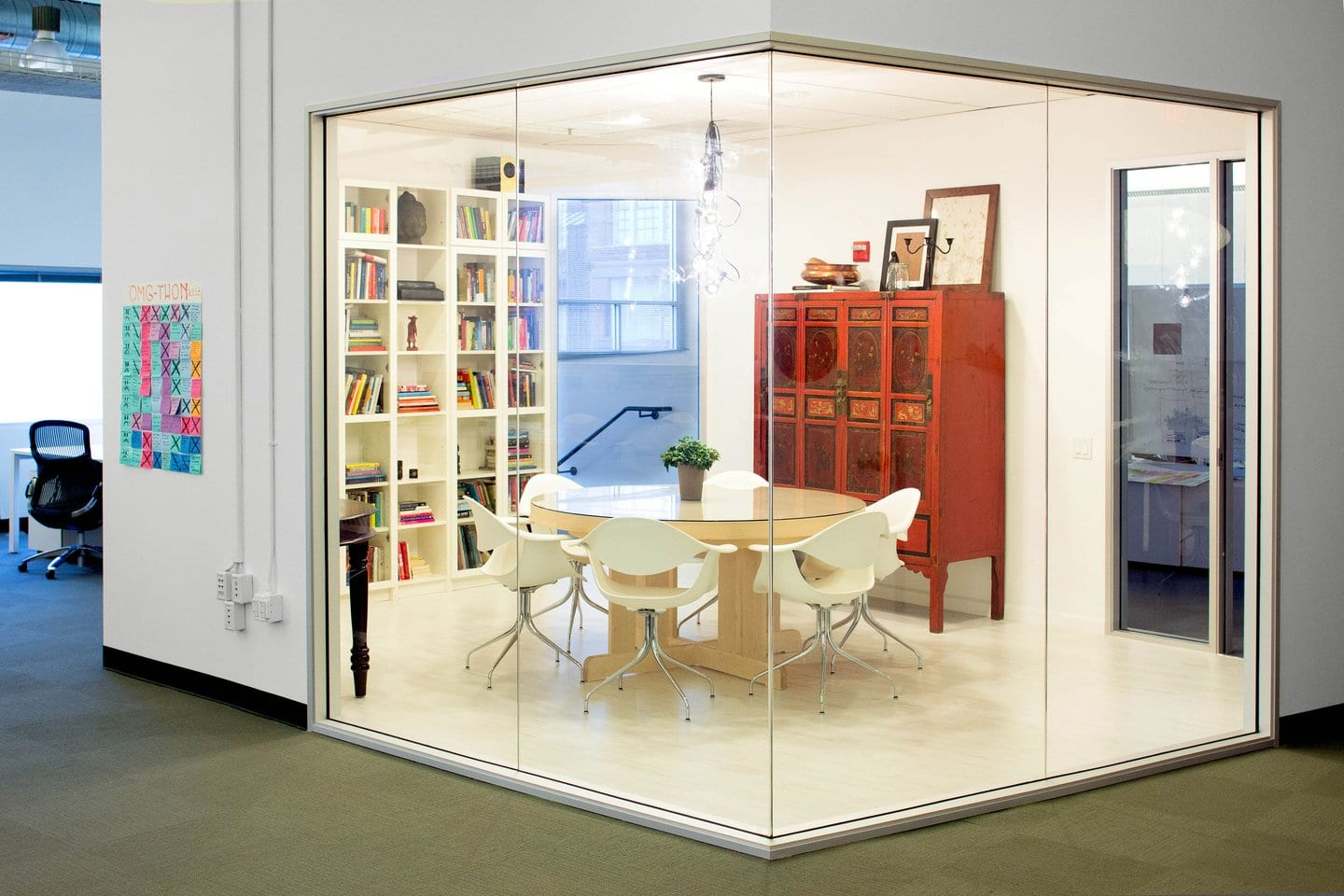 Airbnb office interiors cool office design meeting room for Cool office designs