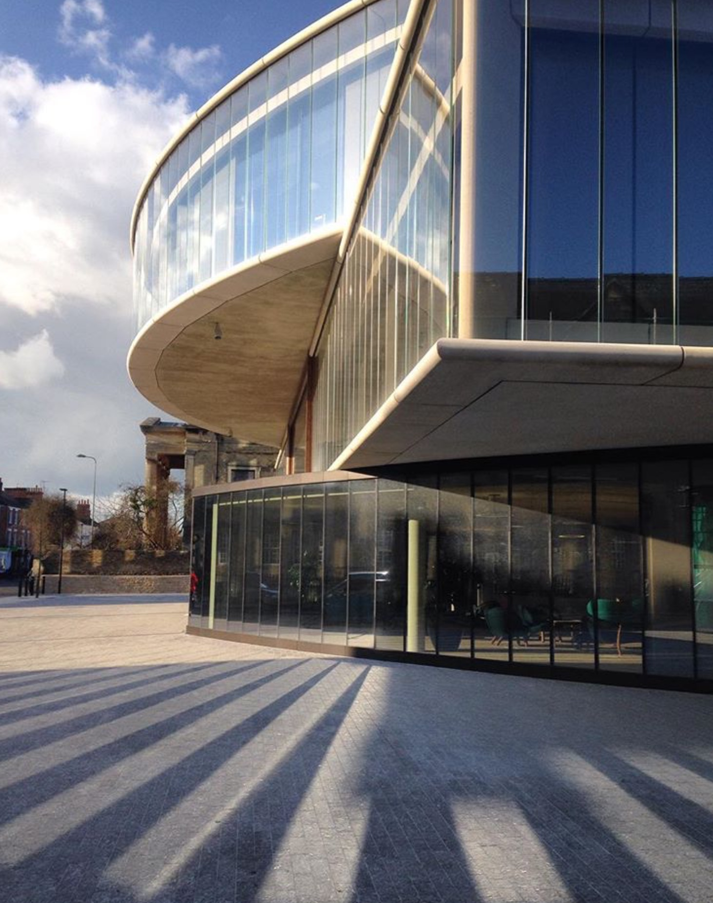oxford-building-design-oxford-universitys-blavatnik-school-of-government-shadpw-glass