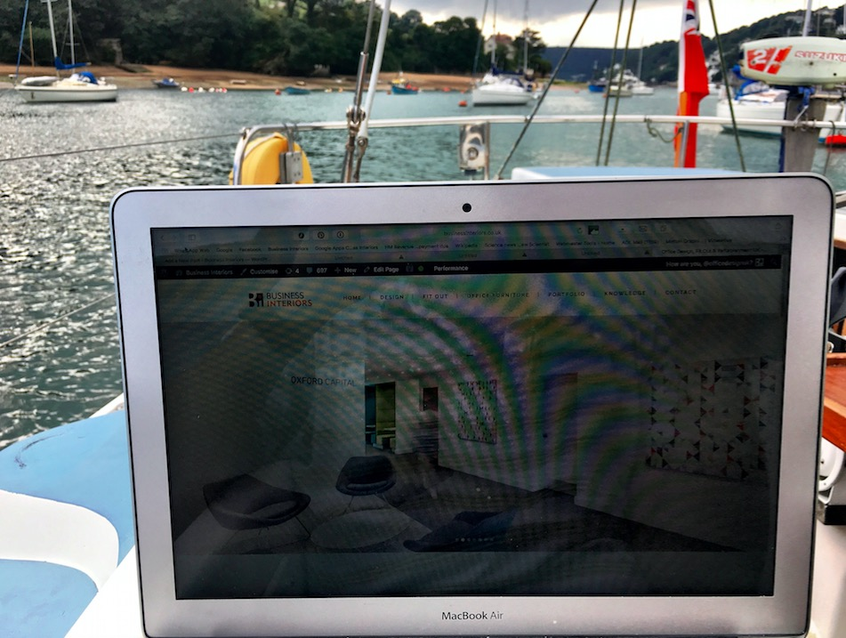flexible-mobile-working-concentrate-solo-work-boat-yacht-heaven