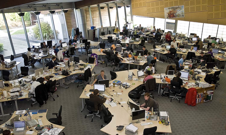 flexible-working-disaster-open-plan-exter-university-nightmare-distraction-noisy-open-plan-office-design